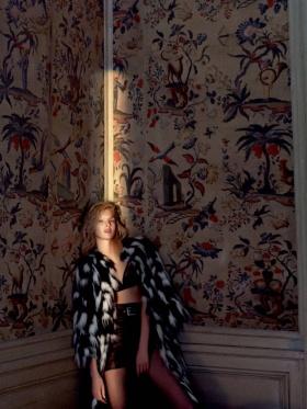 俄罗斯版《Vogue》十月刊时尚大片 | 摄影 Txema Yeste