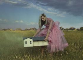 意大利版《Vogue》十月刊时尚大片 02 |  摄影:Mert & Marcus