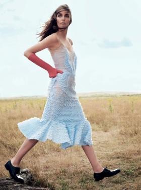 英国版《Harper'S Bazaar》11月刊时尚大片 | 摄影 Regan Cameron