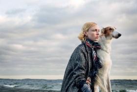 瑞典版《Elle》十一月刊时尚大片 | 摄影 Elisabeth Toll