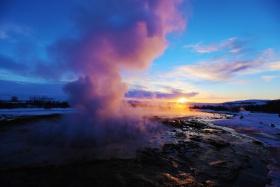 冰岛,间歇泉