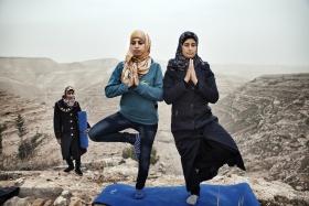 战场之外的地方 | Tanya Habjouqa