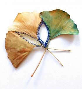 树叶上的刺绣  | Hillary Fayle