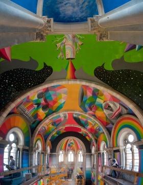 西班牙百年老教堂变身为滑板公园