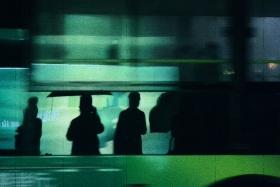 《The pedestrians in the Rainy night》/        Nov.27 Photographer