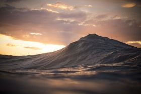 海浪 |摄影师Lloyd Meudell
