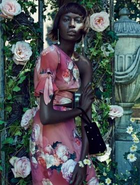 英国版《Elle》十二月刊时尚大片