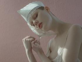 Evelyn Bencicova 时尚人像摄影作品【asana】