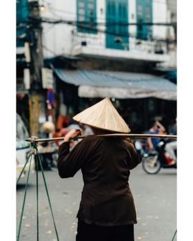 摄影师Mitsuru Wakabayashi镜头里的越南街头 