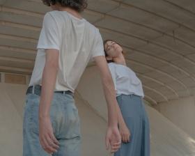 Chiara Lombardi 人像摄影作品【The landing】