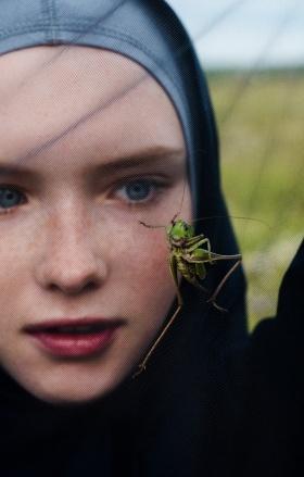 意大利版《VOGUE》杂志|摄影:Elizaveta Porodina