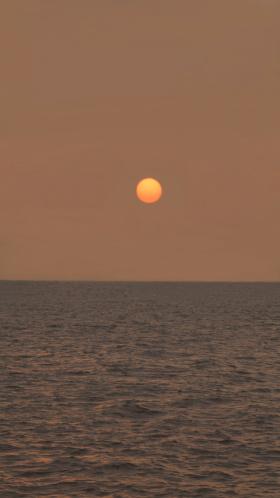 从黄昏到日落  胜过一切的诗