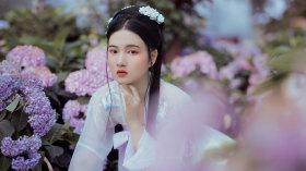 """""""春至花如锦,夏近叶成帷。"""""""