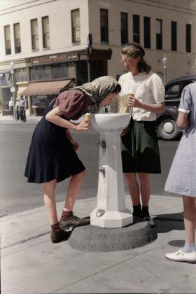 重新上色的老照片,30-40年代的美國 ????