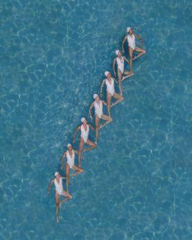 夏日泳池 | Brad Walls