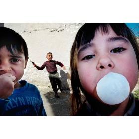 复杂构图   Ilker Karaman镜头里玩耍的孩子们