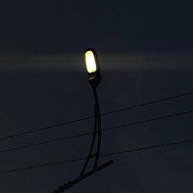夜晚点灯人
