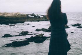 所爱隔山海,山海亦可平
