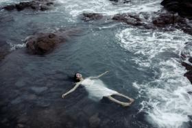 遗忘被风迷乱的海